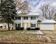 2411 South Cedar Glen Drive, Arlington Heights image