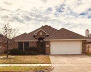 9104 Winding River Drive, Fort Worth image