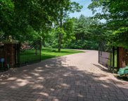15 Twin Ponds  Lane, Oyster Bay Cove image