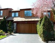 117 The Crescent, Roslyn Heights image