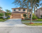979 Tulip Cir, Weston image