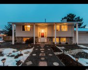 9174 S Quail Hollow Dr E, Sandy image
