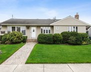 28 Normandy  Dr, Bethpage image