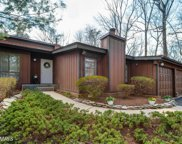 10409 HUNTER RIDGE DRIVE, Oakton image
