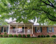 7314 Honiasant Rd, Louisville image