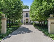 877 East Westminster Road, Lake Forest image