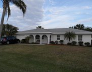 122 Queen Catherina Court, Hutchinson Island image
