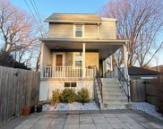 323 Maple  Avenue, Mamaroneck image