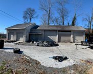198 Meadow Dr, Shelbyville image