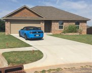 824 Lakeview, Moore image