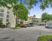 3800 Oaks Clubhouse Dr Unit 112, Pompano Beach image