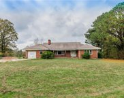 931 Greys Point, Topping image