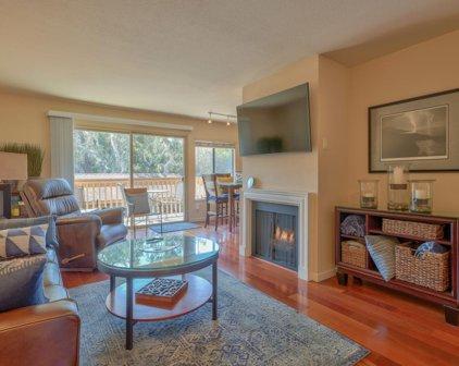 300 Glenwood Cir 303, Monterey