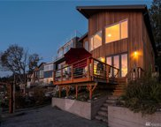 6025 Beach Dr SW, Seattle image