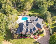 833 Pipers Ln, Brentwood image