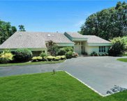 5 Bridle Path Ct, Muttontown image