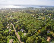 8360 N Bayview Rd, Southold image