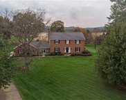 208 Greenbriar Dr, Cranberry Twp image