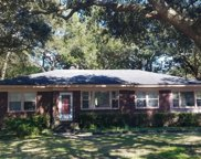 352 Hobcaw Drive, Mount Pleasant image