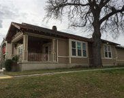 1129 N Beckley Avenue, Dallas image