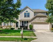 10914 Woodward Dr, Fishers image