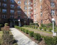 182-25 Wexford Ter, Jamaica image