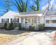 32 W Laurel Dr, Somers Point image