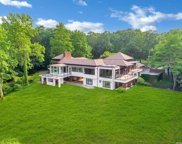 235 Cleft  Road, Mill Neck image