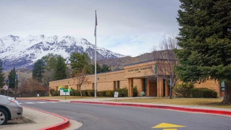 Canyon Crest elementary school in Provo front main building
