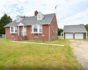 517 Plainview  Road, Plainview image