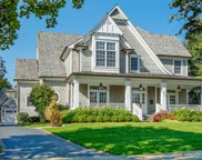 266 North Montclair Avenue, Glen Ellyn image