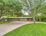 4055 Hildring Drive E, Fort Worth image