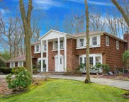12 Hearthstone Dr, Dix Hills image