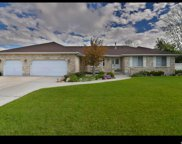 9487 S Heather Dale Cir W, South Jordan image