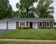 65 White Plains, Chesterfield image