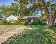 3624 S Hills Avenue, Fort Worth image