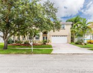 1110 Nw 179th Ave, Pembroke Pines image