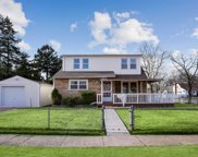 288 Park Ter, East Meadow image