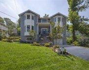 64 Sandy Hollow Rd  Avenue, Port Washington image