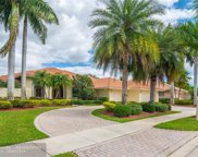 540 Coconut Cir, Weston image
