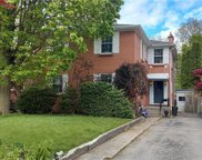 385 Wharncliffe N Road, London image