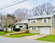 69 Apple Tree CT, North Kingstown image