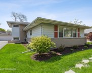 331 E Lake Avenue, Glenview image