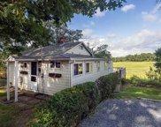 10 Chestnut Place, Hingham image