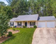 502 Lake Court E, Woodstock image