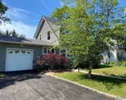 73 Hiawatha  Drive, Brightwaters image