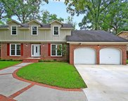 302 Lakeview Drive, Summerville image