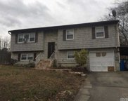 14 Maple  Place, Central Islip image