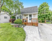 261 Andrew St, Newmarket image