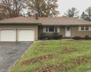 20 River Heights Dr, Smithtown image